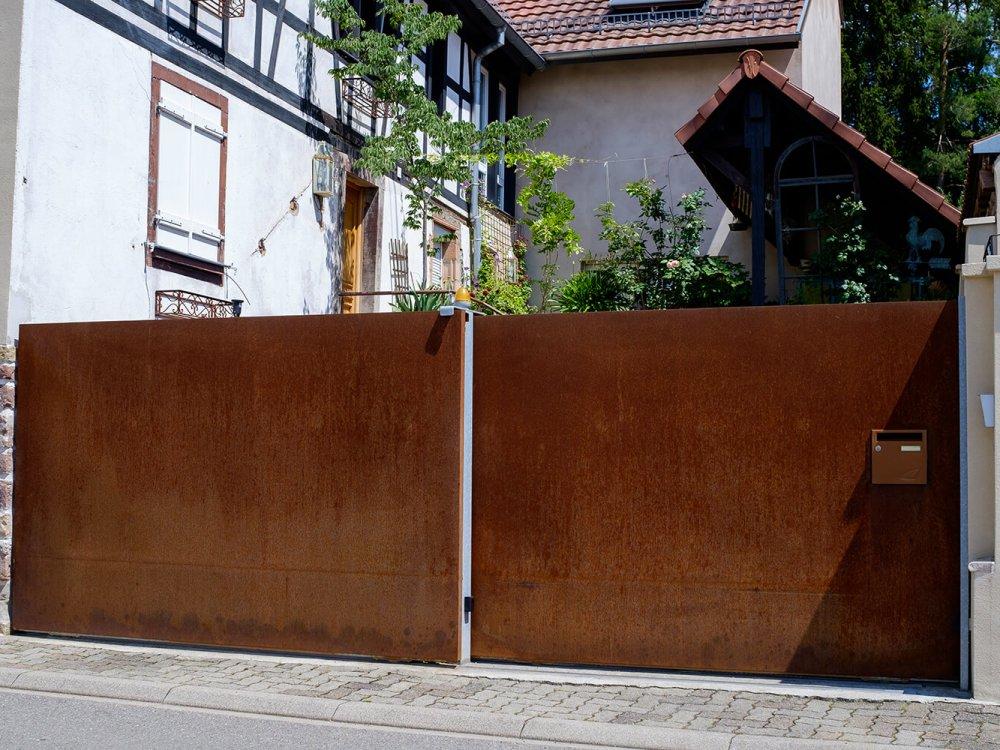 portail de maison en acier corten